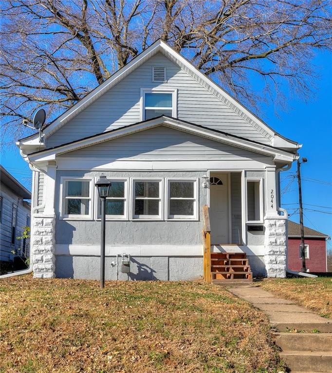 2044 Springfield Boulevard Property Photo - Kansas City, KS real estate listing