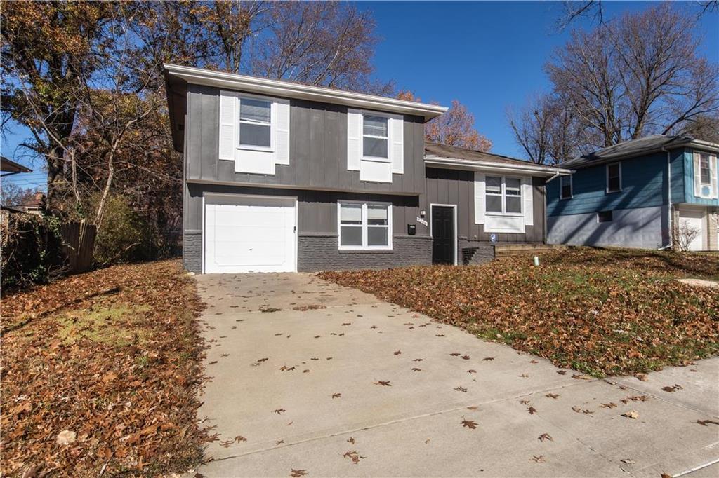 9306 FAIRWOOD Drive Property Photo - Kansas City, MO real estate listing