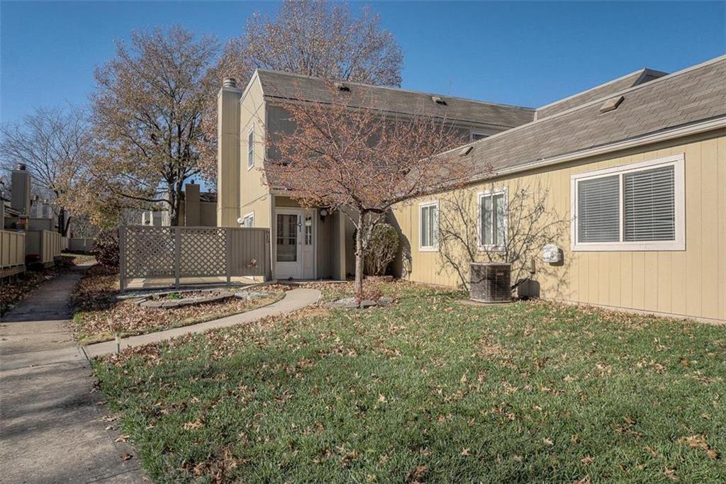 815 E 121st Terrace Property Photo - Kansas City, MO real estate listing