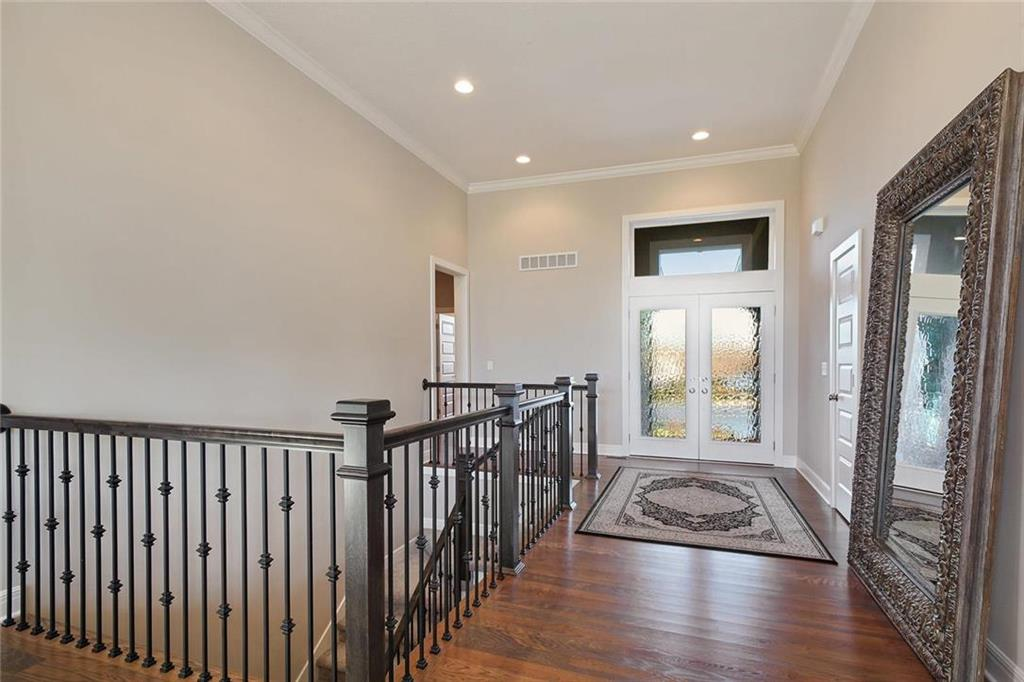 10008 N Revere Court Property Photo - Kansas City, MO real estate listing