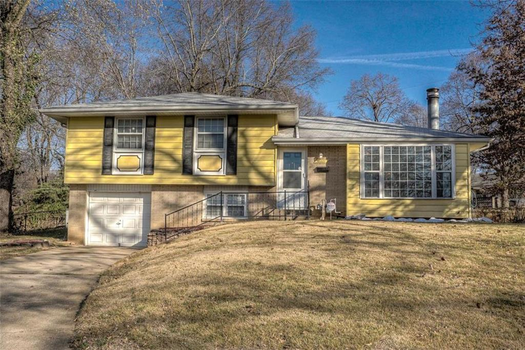 10001 Beacon Avenue Property Photo - Kansas City, MO real estate listing