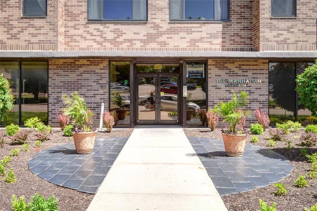 700 E 8th Street #11 T Property Photo - Kansas City, MO real estate listing