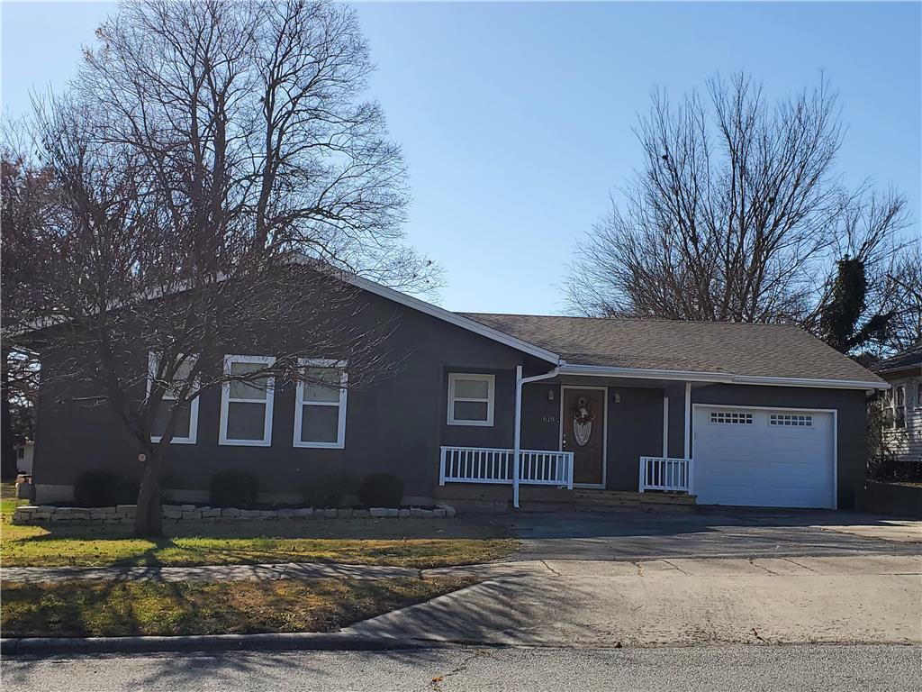 618 W 8th Street Property Photo - Fort Scott, KS real estate listing