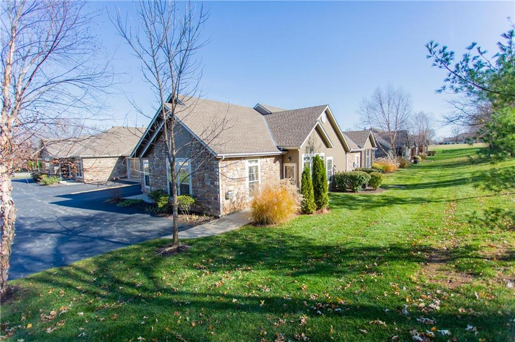 11299 S Summit Street #2702 Property Photo - Lenexa, KS real estate listing