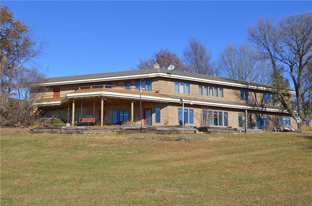 2446 SW Meadow Lake Drive Property Photo - Ottawa, KS real estate listing
