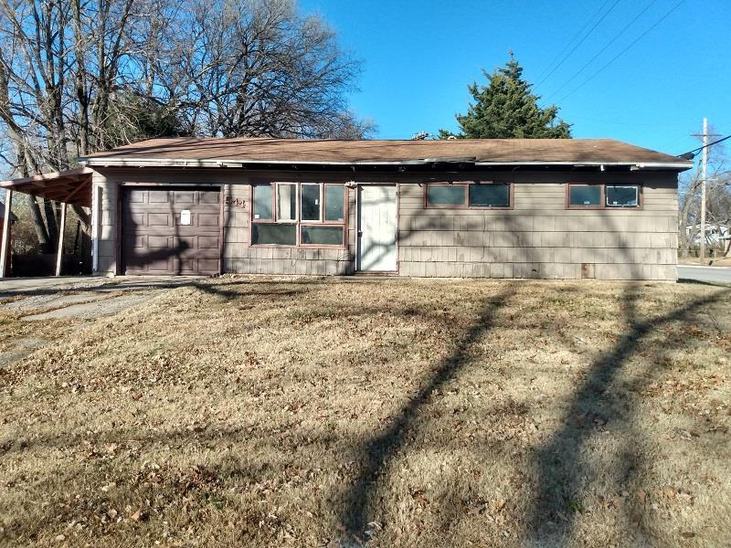 544 SE Colfax Place Property Photo - Topeka, KS real estate listing