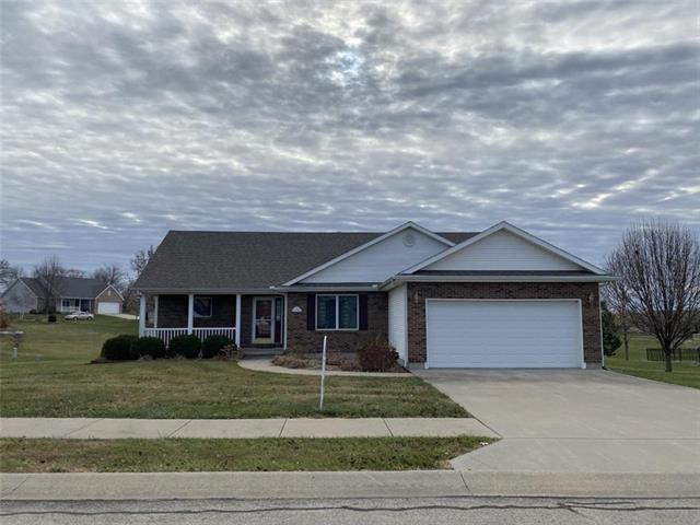 203 Eagles Landing Parkway Property Photo - Cameron, MO real estate listing