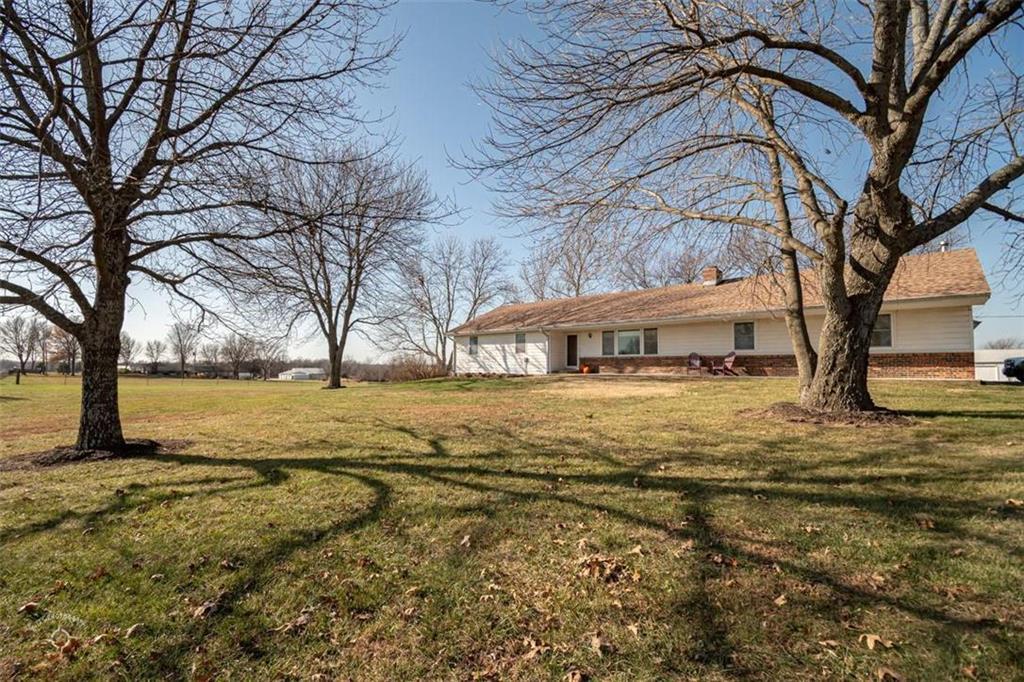 25 E 1200th Road Property Photo - Baldwin City, KS real estate listing