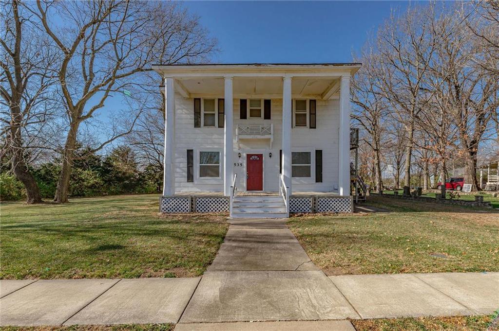 535 S Chestnut Street Property Photo - Olathe, KS real estate listing