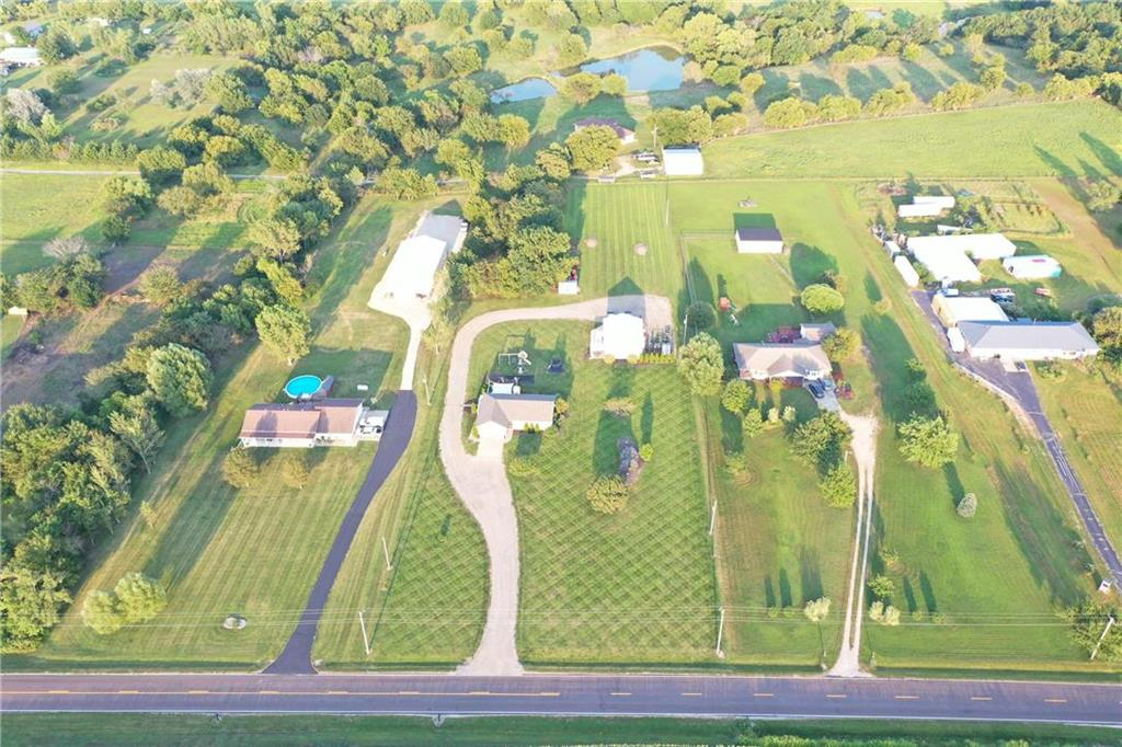 5430 SE Stubbs Road Property Photo - Tecumseh, KS real estate listing