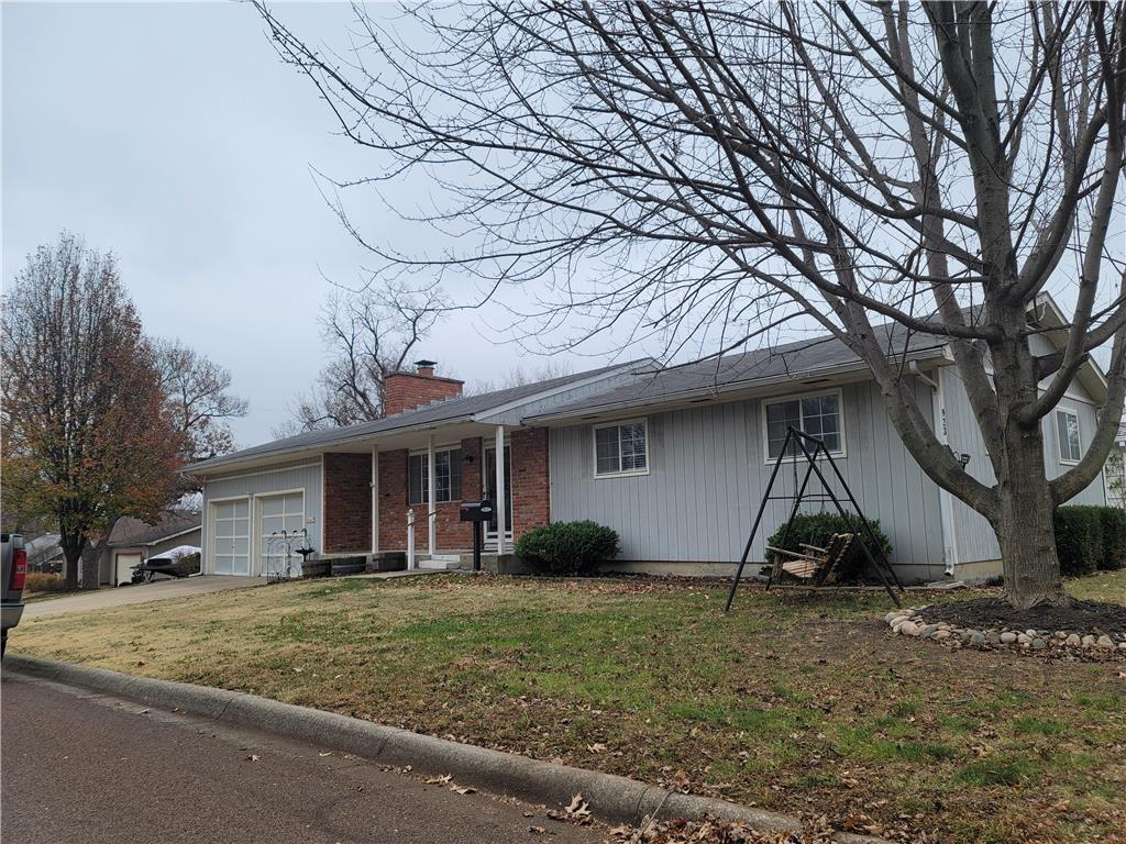 923 N Jefferson Avenue Property Photo - Iola, KS real estate listing