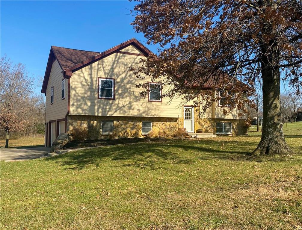 2137 Native Road Property Photo - Fort Scott, KS real estate listing