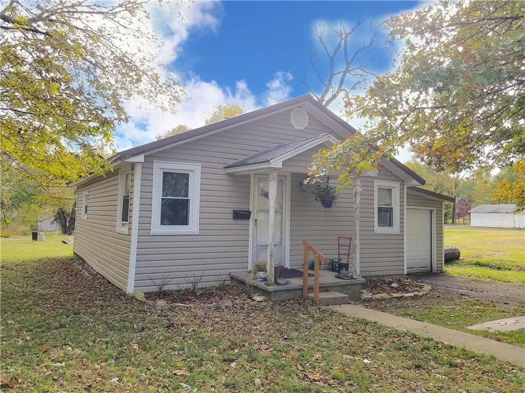 342 E 6th Avenue Property Photo - Garnett, KS real estate listing