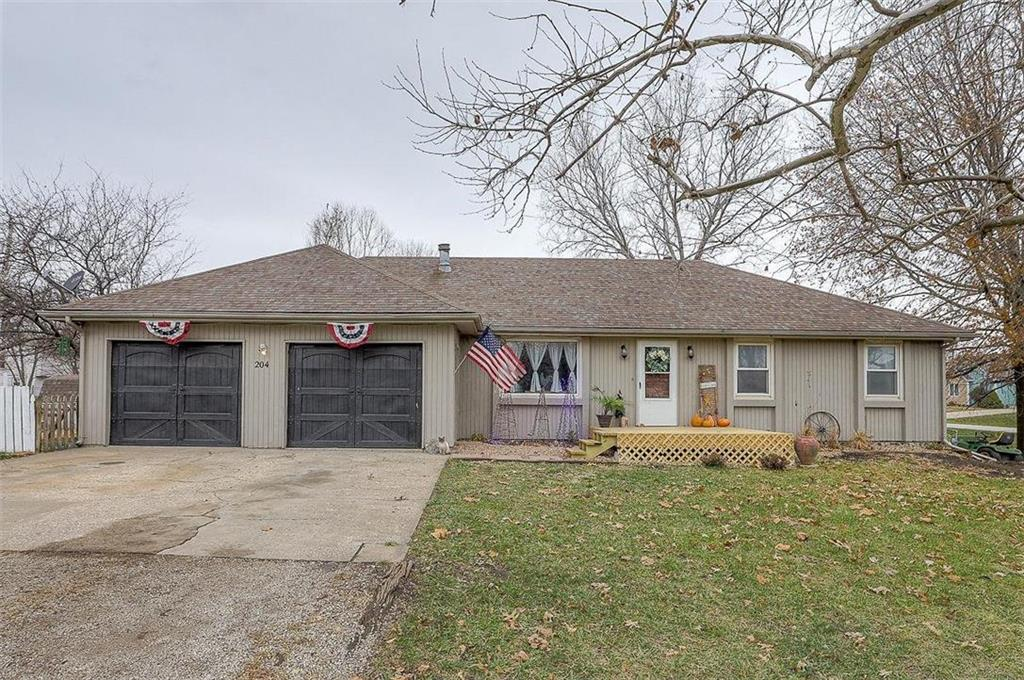 204 Ames Street Property Photo - Baldwin City, KS real estate listing