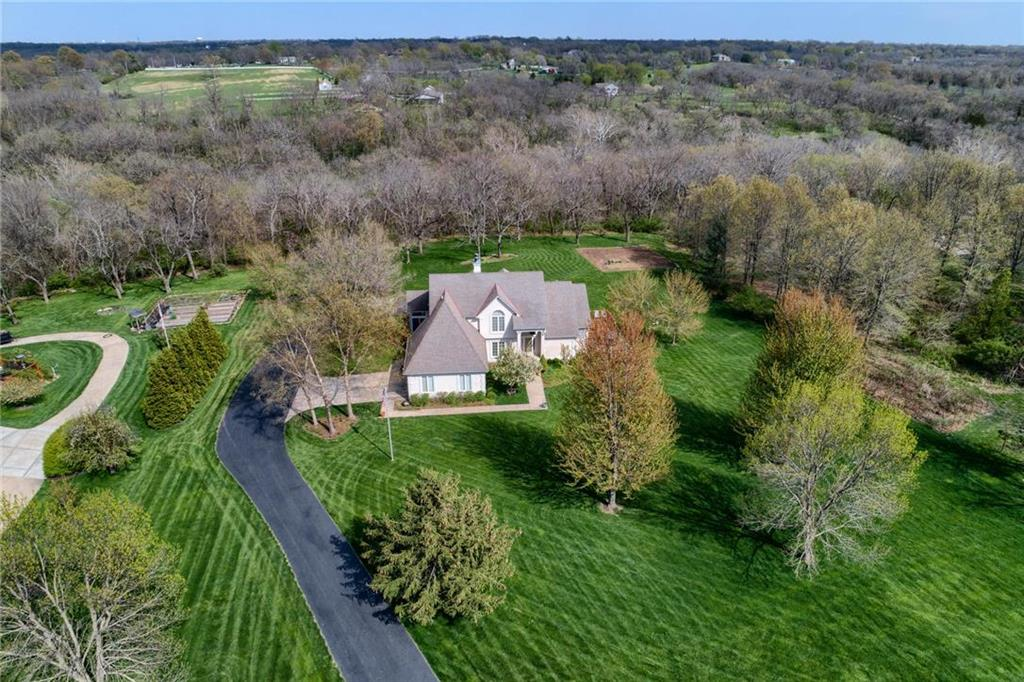 17305 S Allendale Drive Property Photo - Belton, MO real estate listing