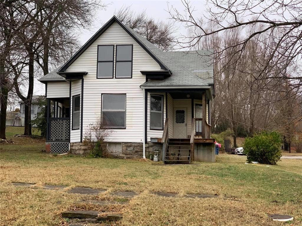 105 E 10th Street Property Photo