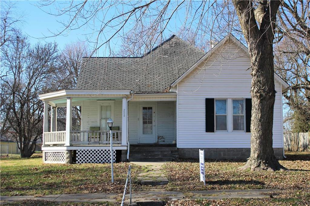 208 N Main Street Property Photo - Corder, MO real estate listing