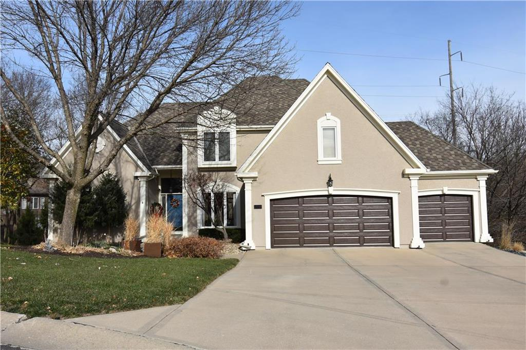 5448 NE Northgate Circle Property Photo - Lee's Summit, MO real estate listing