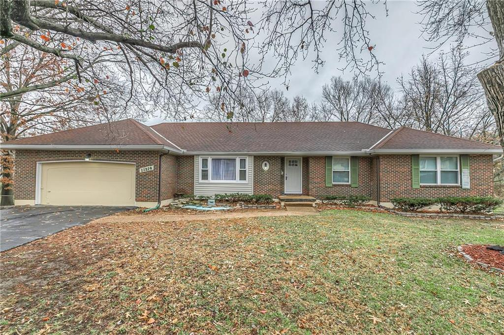 11216 E 64th Street Property Photo - Raytown, MO real estate listing
