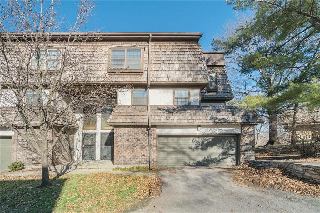 10255 Cedarbrooke Lane Property Photo - Kansas City, MO real estate listing