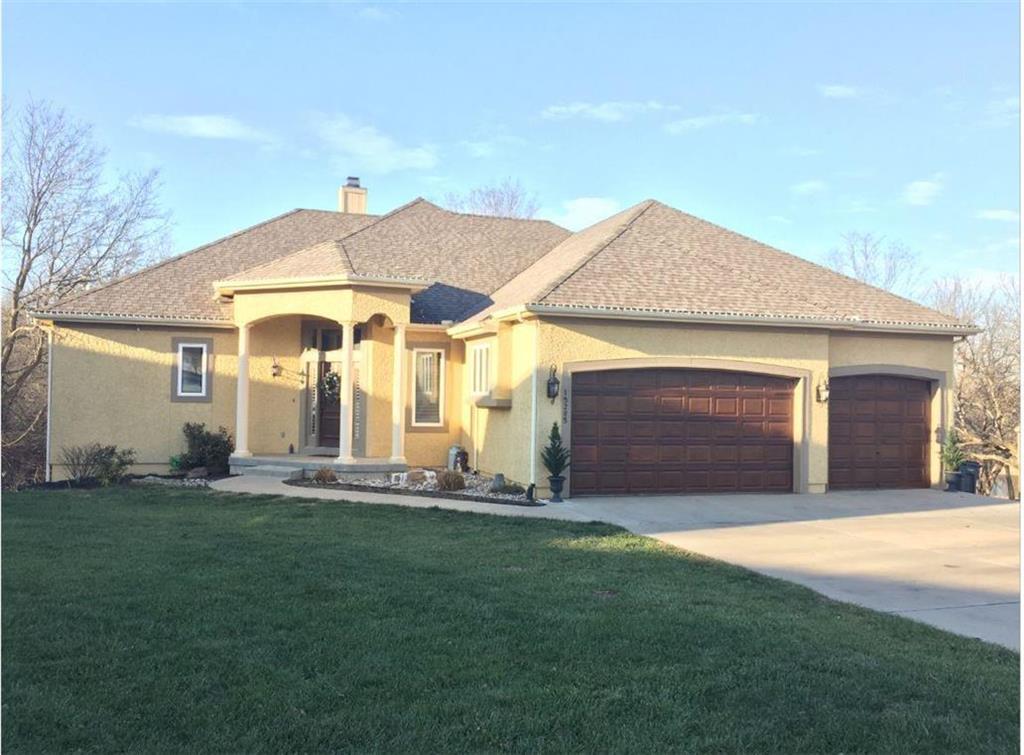 15285 LINDEN Court Property Photo - Bonner Springs, KS real estate listing