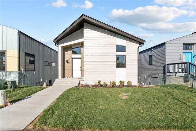 2234 Tracy Avenue Property Photo - Kansas City, MO real estate listing