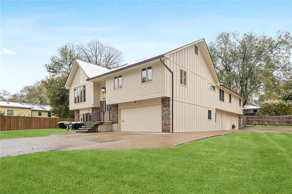 5235 Fontana Street Property Photo - Roeland Park, KS real estate listing