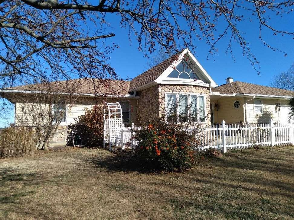 725 Fairway Drive Property Photo - Fort Scott, KS real estate listing