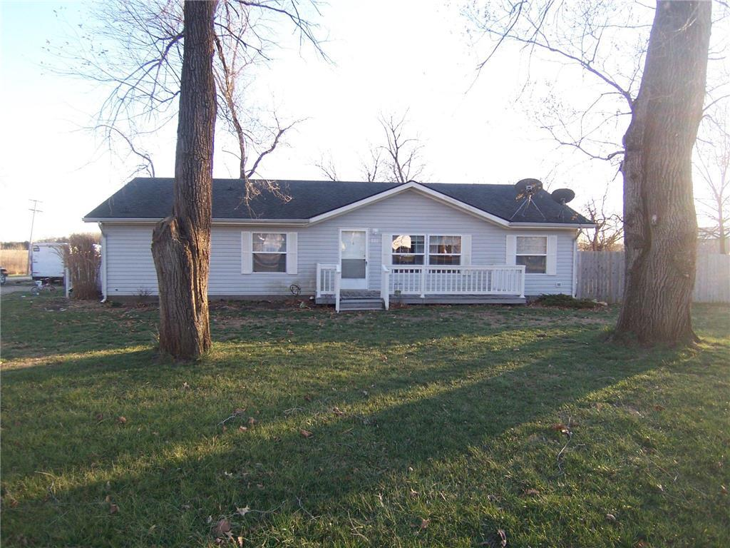 509 E Walnut Avenue Property Photo - Blue Mound, KS real estate listing