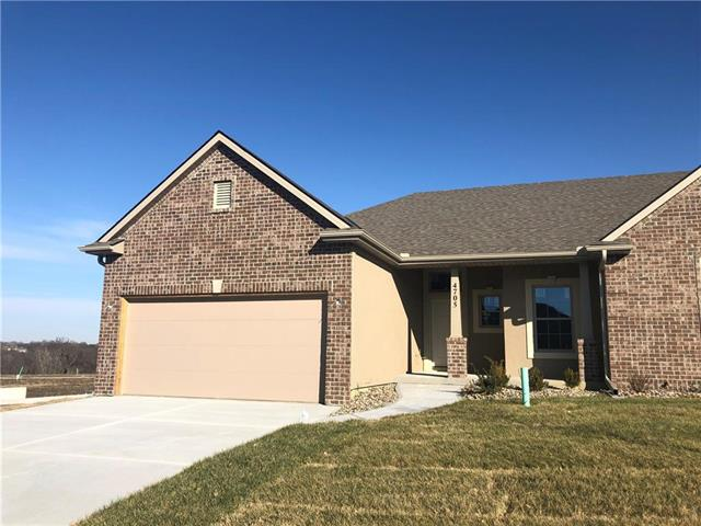 4705 W Stonebridge Drive Property Photo - St Joseph, MO real estate listing