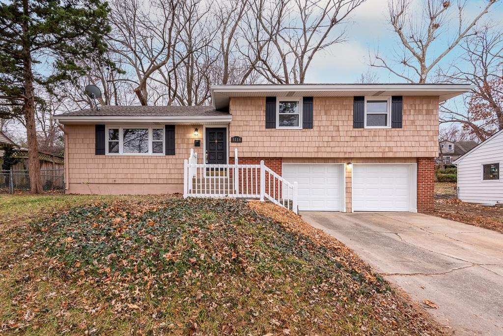 5118 N Sycamore Drive Property Photo - Kansas City, MO real estate listing