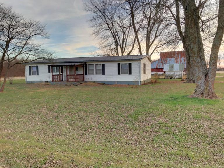 103 W 4th Street Property Photo - Kincaid, KS real estate listing