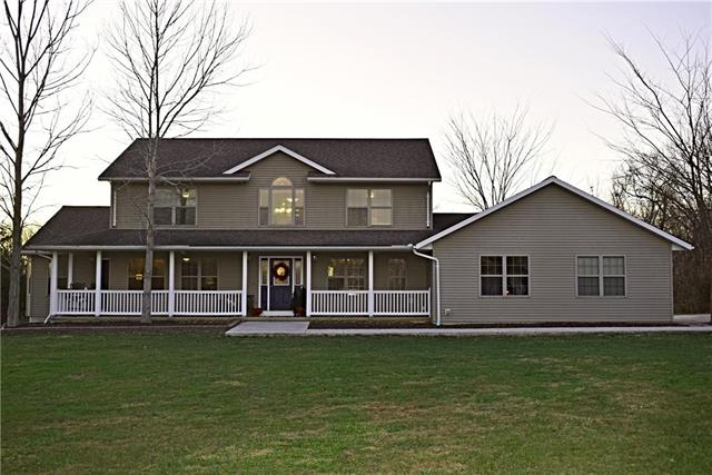 998 NW 445 Road Property Photo - Warrensburg, MO real estate listing