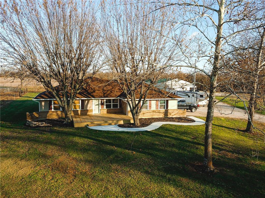 431 SW T Highway Property Photo - Kingsville, MO real estate listing