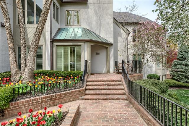 402 W 50th Street #1e Property Photo