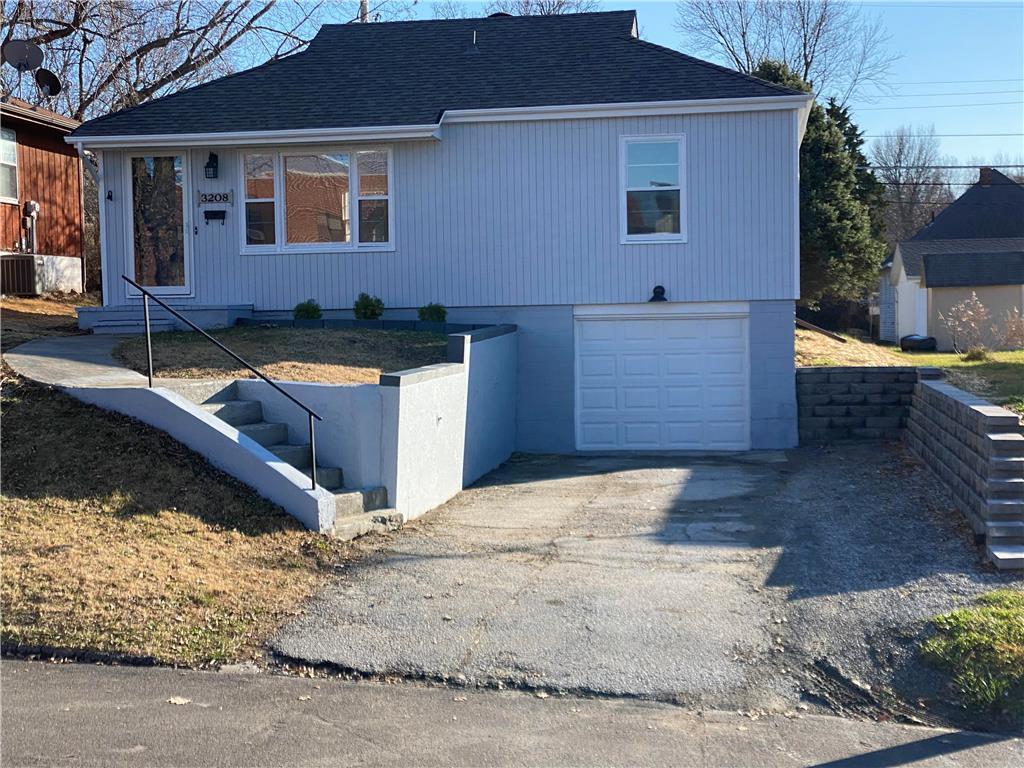 3208 Olive Street Property Photo - St Joseph, MO real estate listing
