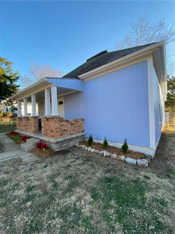 514 E Kansas Avenue Property Photo - St Joseph, MO real estate listing