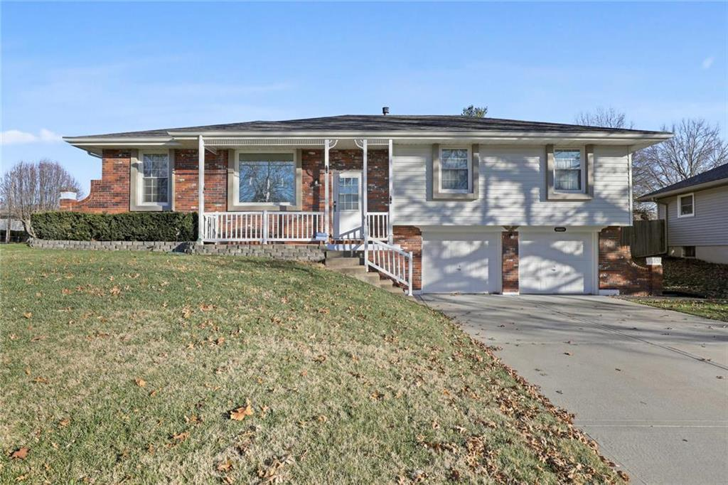 16607 Spring Valley Road Property Photo - Belton, MO real estate listing