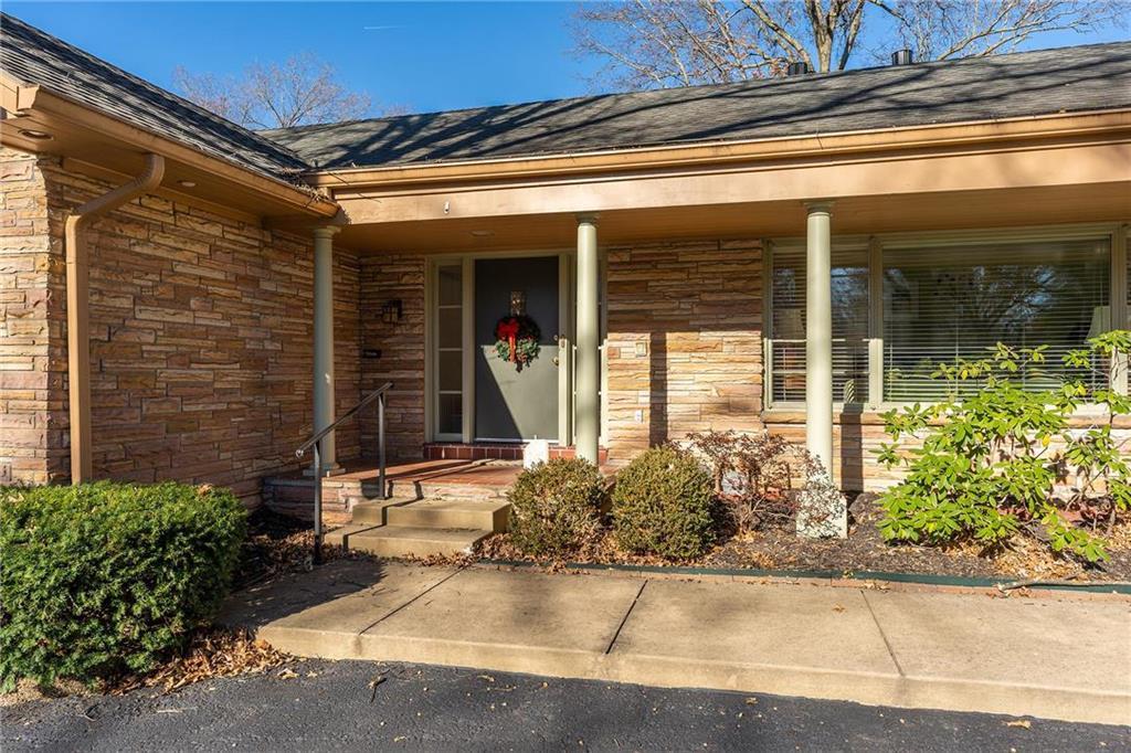 1214 W 65th Street Property Photo - Kansas City, MO real estate listing