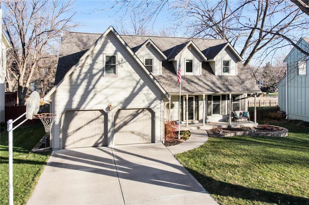 8313 Twilight Lane Property Photo - Lenexa, KS real estate listing