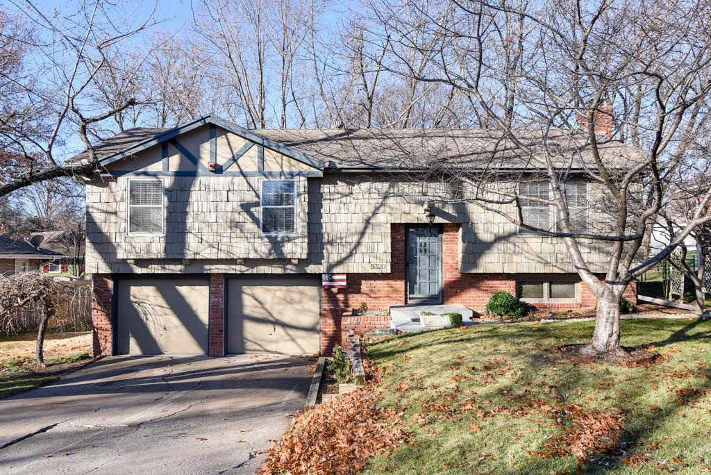 5320 Switzer Street Property Photo - Shawnee, KS real estate listing