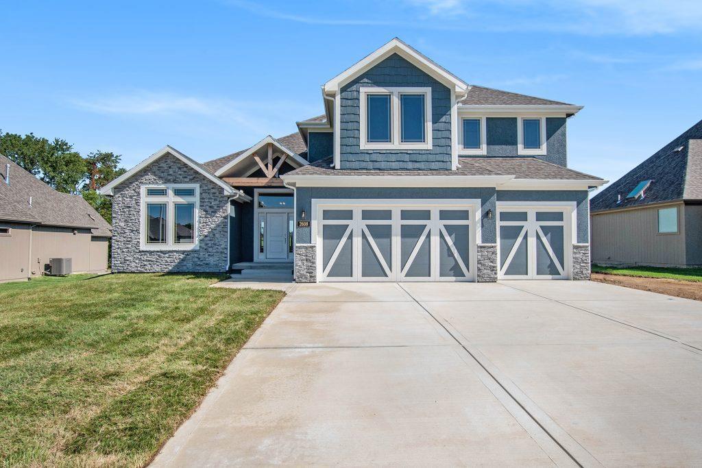 3008 NE 92nd Street Property Photo - Kansas City, MO real estate listing