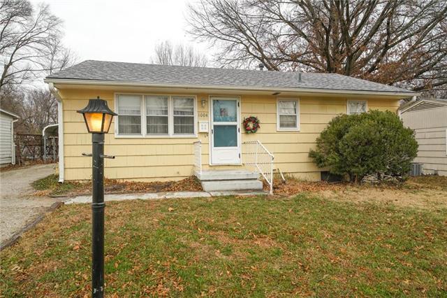 1004 Dewey Street Property Photo - Grandview, MO real estate listing