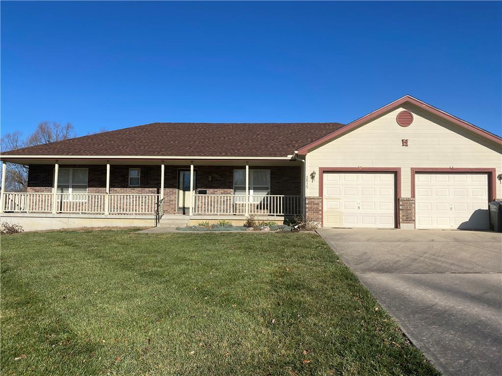 3015 Younger Drive Property Photo - Harrisonville, MO real estate listing