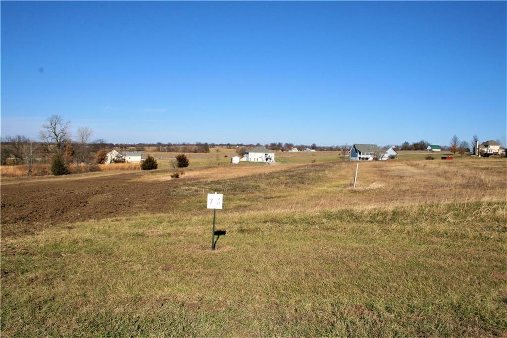 Lot 7 Ne Country Hill Parkway Property Photo