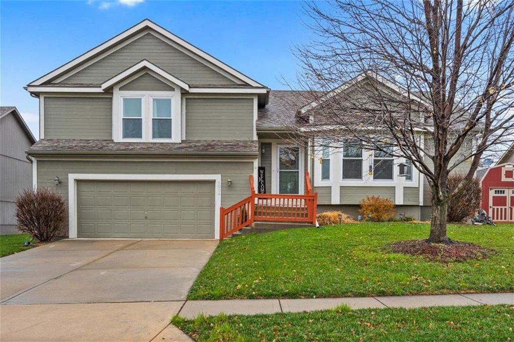 1004 Howard Court Property Photo - Louisburg, KS real estate listing