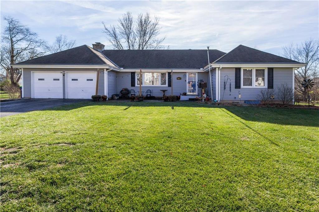 10711 W 48th Terrace Property Photo - Shawnee, KS real estate listing