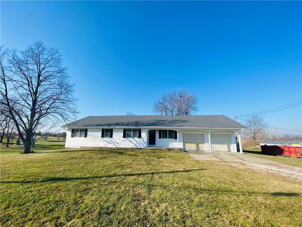 1004 S Hughes Street Property Photo - Hamilton, MO real estate listing