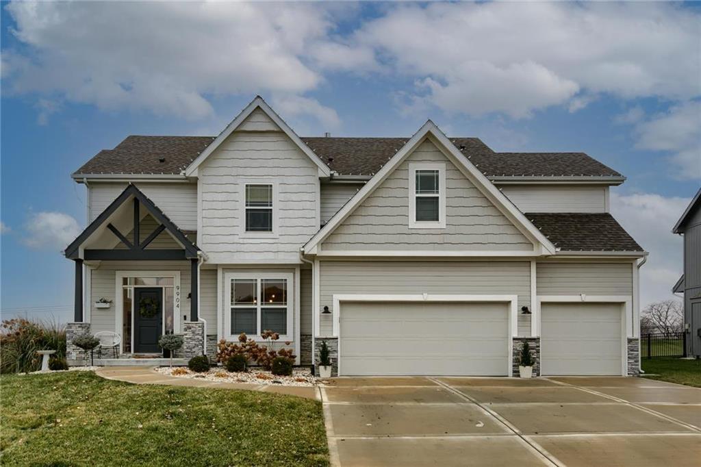 9904 N Smalley Avenue Property Photo - Kansas City, MO real estate listing
