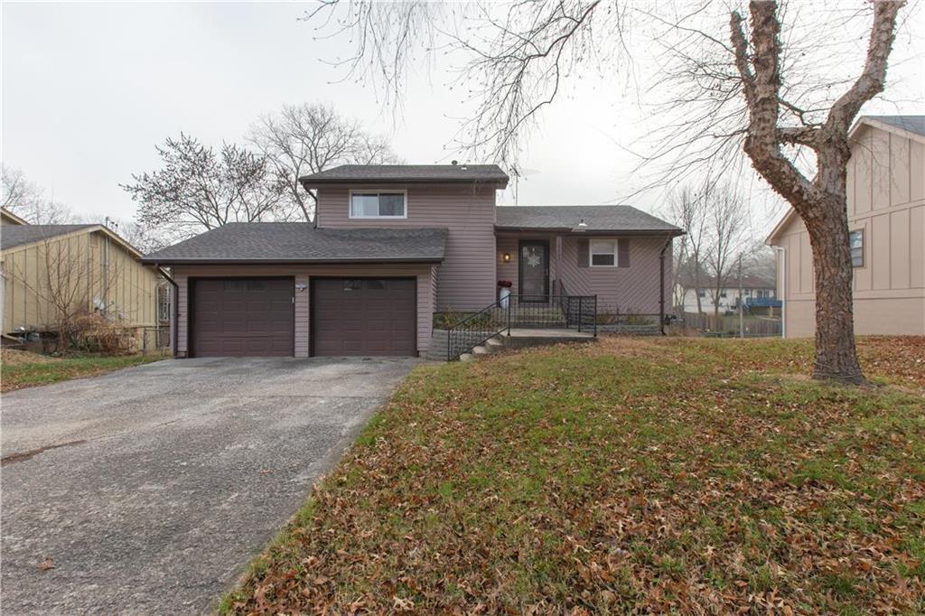 10407 Smalley Avenue Property Photo - Kansas City, MO real estate listing
